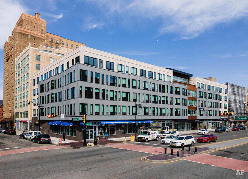 915 Broad Street: Rooted in The American Dream